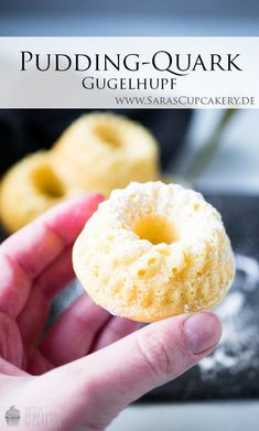 Recipe: Pudding-Quark Gugelhupf - Saras Cupcakery - Kuchen Backen - Rezepte - A delicious sponge cake with curd cheese and lots of vanilla - Healthy Dessert Recipes, Smoothie Recipes, Snack Recipes, Recipes Dinner, Cupcake Recipes, Healthy Drinks, Yummy Recipes, Keto Recipes, Healthy Snacks