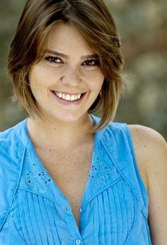Aslı Enver boyu Turkish Beauty, Turkish Actors, Tv Series, Short Hair Styles, Actresses, Stars, Celebrities, Asd, Sweetie Belle