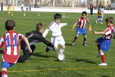 Play football is one of my favourite hobbies. I like playing with my friends any day or playing with my team and participate in the league of Toledo. I playing in the centre of the defense and I have to clear the ball. I play with my friends some fridays.