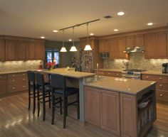Traditional maple kitchen with island