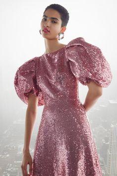New York Fashion, Fashion News, Fashion Beauty, Fashion Show, Fashion Fall, London Fashion, Fashion Trends, Runway Fashion, High Fashion