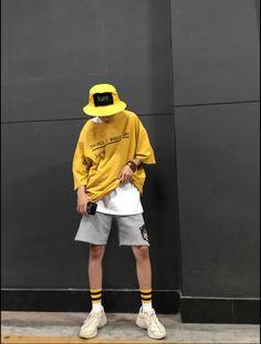 men outfits - teboo trousers and shorts Next Fashion, Future Fashion, Korean Fashion Men, Urban Fashion, Casual Outfits, Fashion Outfits, Fashion Trends, Fashion Fashion, Fashion 2018