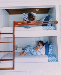 🧡ⓟⓘⓝ❤︎@brianaa0122💛 Dream Rooms, Dream Bedroom, Girls Bedroom, Bedroom Decor, Bedroom Inspo, Bedroom Ideas, Preppy Bedroom, Stylish Bedroom, Ideas Dormitorios