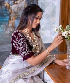 Saree Blouse Neck Designs, Fancy Blouse Designs, Bridal Blouse Designs, Sari Blouse, Sari Design, Stylish Blouse Design, Stylish Sarees, Fancy Sarees, Organza Saree