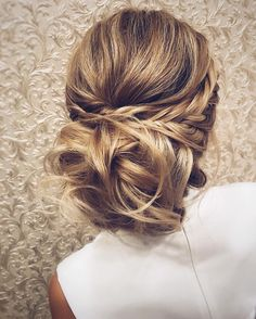 wedding hairstyle inspiration,Messy Wedding Hair Updos For A Gorgeous Rustic Country Wedding,messy updo hairstyles,bridal hairstyle ideas,wedding hairstyle idea. Easy Updos For Long Hair, Wedding Hairstyles For Long Hair, Messy Hairstyles, Pretty Hairstyles, Hairstyle Ideas, Bridal Hairstyles, Hair Wedding, Wedding Makeup, Latest Hairstyles