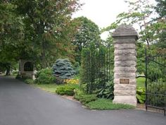 Grinstead Drive Entrance. Cave Hill Cemetery, Louisville, Kentucky  Been coming in this way my whole life