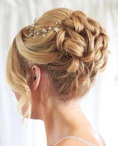 göndör+esküvői+frizurák+-+göndör+konty+esküvőre