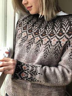 Ravelry: Goldwing pattern by Jennifer Steingass Icelandic Sweaters, Wool Sweaters, Pullover Sweaters, Knit Cardigan Pattern, Jumpsuit Pattern, Love Knitting, Fair Isle Knitting, Maid Marian, Knitting Designs