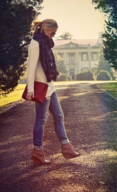 Sweater, Scarf & Jeans: Zara - Boots: Nine West - Bag: IIIBeca