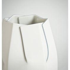 Photo from porcelainstudio_bomi