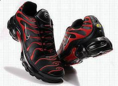 So Cheap! Im gonna love this site!Check it's Amazing with this fashion Shoes! get it for 2016 Fashion Nike womens running shoes Buty do biegania Nike Wmns Air Zoom Pegasus 32 W Nike Air Max Plus, Nike Air Max Tn, Mens Nike Air, Nike Men, Nike Noir, Men's Shoes, Shoe Boots, Saddle Shoes, Tn Nike