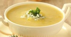 Cream of broccoli soup - Kiwi Families Greek Recipes, Light Recipes, Cream Of Broccoli Soup, Bisque Recipe, Protein Smoothie Recipes, Healthy Yogurt, Beautiful Soup, Caramelized Onions, Cooking Tips