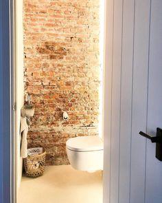 Bathroom Design Small, Bathroom Interior Design, Grand Designs Houses, Small Toilet Room, New York Penthouse, Downstairs Toilet, Studio Kitchen, Garage House, Bathroom Inspiration