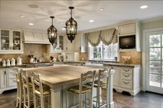 Country french kitchen amazing of french country kitchen ideas elegant french country kitchen island decor home design Country Kitchen Curtains, Country Kitchen Island, French Country Dining Room, Country Kitchen Cabinets, Kitchen Island Decor, Country Kitchen Designs, French Country Kitchens, Modern Kitchen Design, Kitchen Ideas
