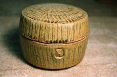 horse shoe mountain pottery- box