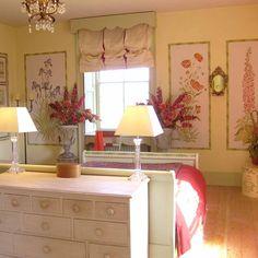 ** cheerful guest bedroom
