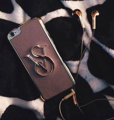New victoria's secret hard phone case leopard print with gold Cute Cases, Cute Phone Cases, Iphone Phone Cases, Ipod, Phone Covers, Victoria Secrets, Hotline Bling, Accessoires Iphone, Iphone Hacks