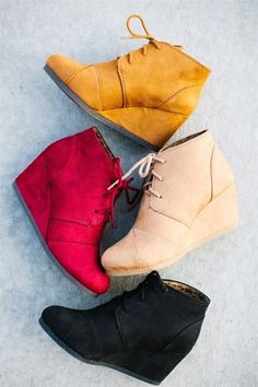 First-Rate Shoes Heels Wedges Ideas 4 Vivacious Tips: Basketball Shoes Diy flat shoes Quotes Just Do It prom shoes bling. Shoes 2018, Prom Shoes, Steve Madden, Shoes Heels Wedges, Pumps, Women's Shoes, Fall Wedges, Tom Wedges, Brown Wedges