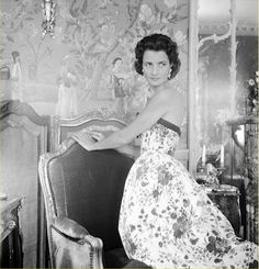 Jayne Wrightsman in her Palm Beach, Florida, residence in 1956.