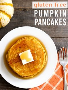 These gluten free pumpkin pancakes are the best fall breakfast! Pour a little syrup on these pumpkin goodies for a real treat! #pumpkin #pancakes