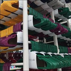 You might not need this much rack space at home, but this giant Do-It-Yourself PVC Tower for Clothes Hangers is perfect for mass selling in retail. Store Plan, Fruit Shop, Clothes Hangers, Store Displays, Kitchen Tools, Thrifting, Diy And Crafts, Tower, Retail