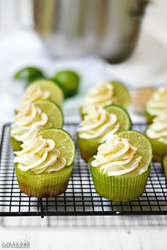 Get your family excited with Beth Cakes' recipe for Key Lime Pie Cupcakes. An adorable addition to any holiday dessert table. Baking Recipes, Dessert Recipes, Dessert Ideas, Best Key Lime Pie, Keylime Pie Recipe, Lime Recipes, Cupcakes, Fresh Lime Juice, Holiday Recipes