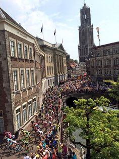 """Le Tour Utrecht op Twitter: """"The official ceremony, merci to all the riders, good luck for the rest of @letour #TDFutrecht #TDF2015 http://t.co/0GctR3V69W"""""""