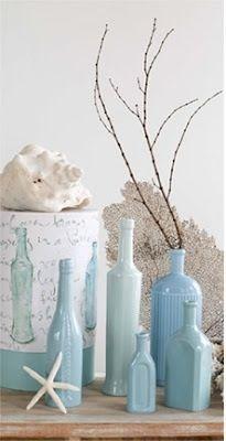 Flessen schilderen, kraamfeest Jongetje, baby shower boy. Mooi als tafel decoratie met een bloem er in!
