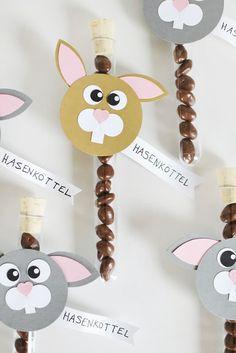 In wenigen Wochen ist Ostern! Heute zeige ich euch eine Idee für Ostergoodies – perfekt zum selber basteln für den Osterfrühstückstisch! Die Idee kam mir seltsamerweise beim Ausmisten des Hasenstalles. Irgendwie eklig aber ich finde es auch witzig! Ich habe … weiterlesen