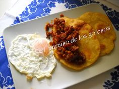 Paraiso: Tortos de maíz con picadillo y huevo. Ethnic Recipes, Food, Cooking Recipes, Eggs, Ethnic Food, Earrings, Eten, Meals, Diet