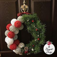 Tutoriales Bricolage, manualidades e ideas Cute Christmas Ideas, Christmas Wreaths, Ideas Hogar, Christmas Accessories, Yarn Ball, Wreath Crafts, Ideas Creativas, Holiday Decor, Design
