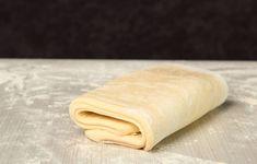 Pâte feuilletée inratable : Recette de Pâte feuilletée inratable - Marmiton How To Cook Tuna, Cooking Tuna Steaks, Easy Pizza Dough, Pesto Pasta, Dough Recipe, Pizza Recipes, Hot Dog Buns, Hot Dogs, Bakery