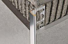 Flīžu nobeiguma profils Proterminal Floor Design, Tile Design, Bathroom Interior Design, Modern Interior Design, Tile Edge, Tile Trim, Grey Tiles, Kitchen Cabinet Design, Woodworking Furniture