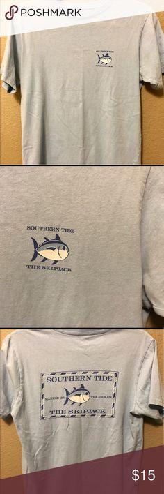 Southern Tide t-shirt Small blue skipjack t-shirt Southern Tide Shirts Tees - Short Sleeve