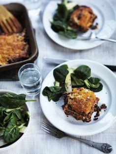 LCHF - Lasagne med hjemmelavet bechamel og protein 'pasta'-plader. Plader kan evt. erstattes med skiver af squash eller aubergine