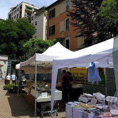 Il Mercato in giardino. Artigiano e Contadino Solo al giovedì. #milanodavedere #milanonascosta #igersmilano milano #Milano #garden #cortili #volgomilano #milanoinsight  #market #artigianato by antoweb57