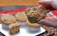Muffin Integral de Abobrinha e Nozes ~ Whole Wheat Muffins with Zucchini and Walnuts ~ Veganana