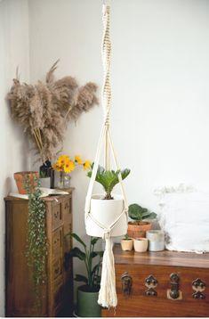 Paper Roll Holders, Paper Towel Holder, Tissue Paper Roll, Pot Hanger, Interior Minimalista, Macrame Plant Hangers, Boho Bathroom, Minimalist Decor, Hanging Planters
