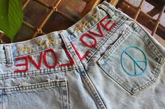 Distressed Vintage Boyfriend Jeans/Hipster Jeans/All Sizes/Grunge Jeans/boho/vintage jeans/womens jeans Ripped Jeggings, Ripped Knee Jeans, Patched Jeans, Vintage Jeans, Boho Vintage, Grunge Jeans, Hipster Jeans, Diy Jeans, Women's Jeans