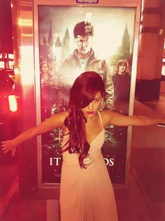 Ari said in an interveiw that at the Harry Potter premier(above) she didnt like her hair cause it was poofy& she didnt like her dress because it was to big in the boobs :D