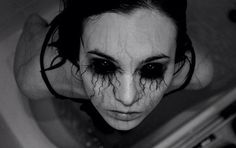 Extremely creepy, scary dark Halloween makeup Cool idea if you're in a haunted house