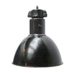lipa m   Verlichting   360volt. De grootste collectie oude originele industrielampen. Gespecialiseerd in fabrieks-, emaille en de industriele lampen.