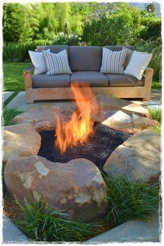 If you are looking for Backyard Fire Pit Ideas, You come to the right place. Below are the Backyard Fire Pit Ideas Outside Fire Pits, Cool Fire Pits, Diy Fire Pit, Fire Pit Backyard, Backyard Patio, Backyard Landscaping, Landscaping Design, Backyard Designs, Backyard Ideas