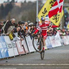 #wheeliewednesday  UCI Junior XC and CX world champion @simon_andreassen signs multi-year deal with @iamspecialized factory racing.  Head over to http://ift.tt/1GxsWYK for the full release and image gallery. by iamspecialized_mtb