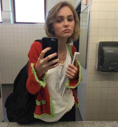 lilyrrosedepp:  she always looks so effortlessly perfect