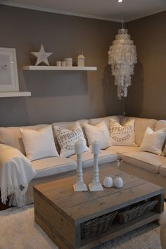 Wohnzimmer graue Wand