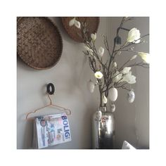 A day, easter! Old And New, Decoration, My House, Sconces, Wall Lights, Easter, Interior, Home Decor, Bedroom Sitting Room