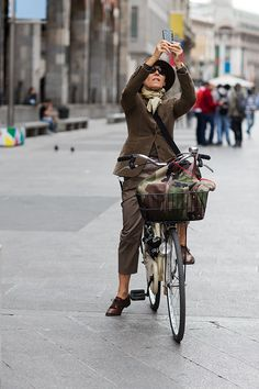 On the Street…..Piazza del Duomo, Milan