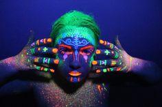 UV Avantgarde Glow in the dark makeup