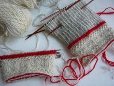 Tvåändsstickning tips - twinned knitting Knitting Stiches, Knitting Charts, Hand Knitting, Knitting Patterns, Crochet Patterns, Knit Mittens, Knitted Gloves, How To Purl Knit, Textiles